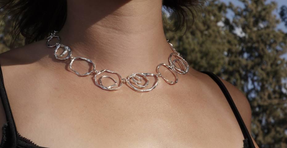 """למה אנשים מחו""""ל אוהבים תכשיטים תוצרת ישראל?"""