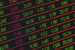 מה גורם לשינויים דרמטיים בשעות הבורסה