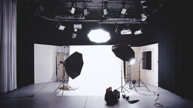 למה כדאי לפנות לצלם מקצועי לצילום מוצרים לאמזון כדי להגדיל מכירות