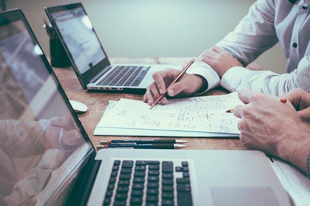 הדרך להימנע מטעויות נפוצות בניהול עסקים משפחתיים