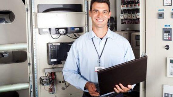 טכנאי מחשבים שתמיד תרצו להזמין את שירותיו המקצועיים